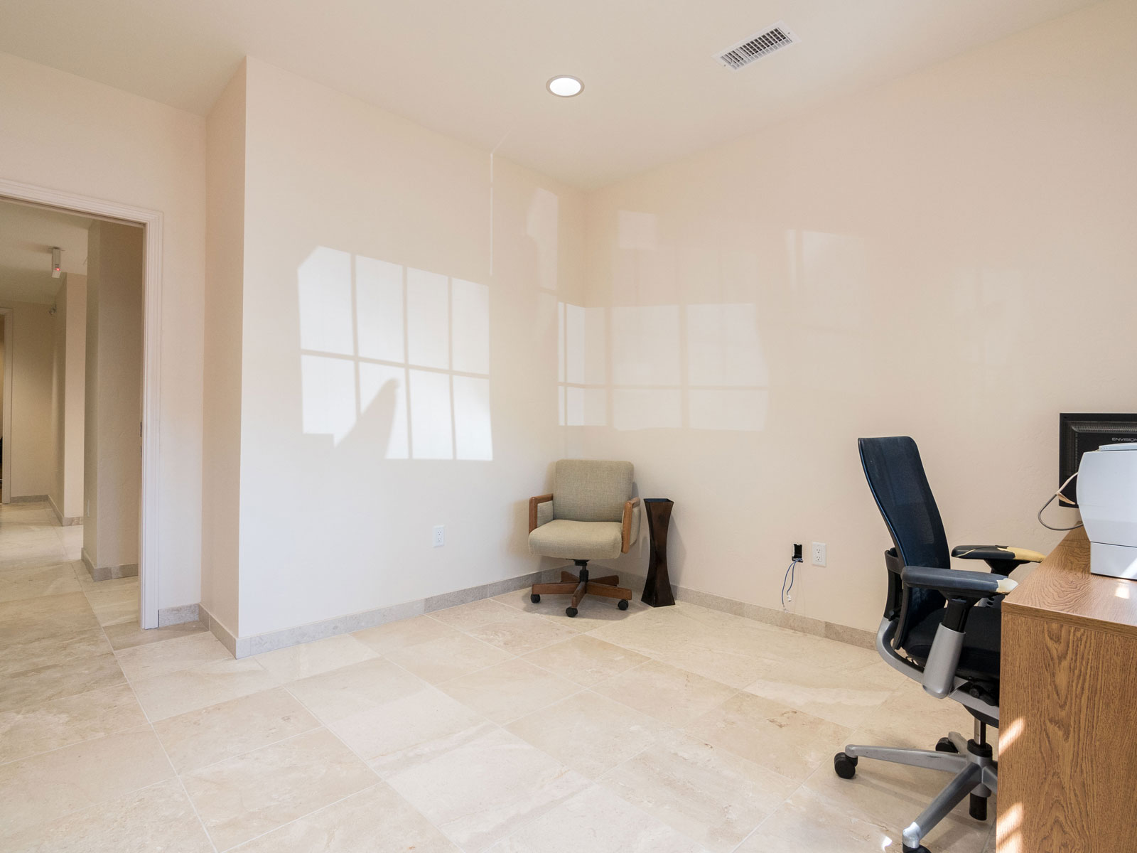 3165-s-melrose-vista-ca-executive-suite-for-lease-100